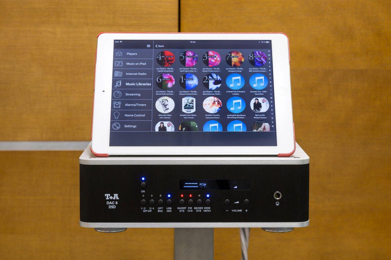 iPad = пульт ДУ. Очень удобный способ управления