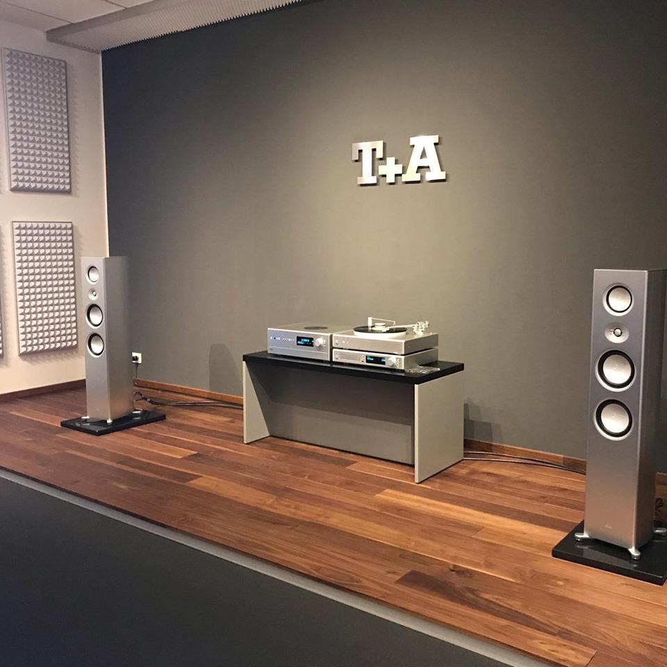 комната прослушивания немецкого High End производителя T+A elektroakustik