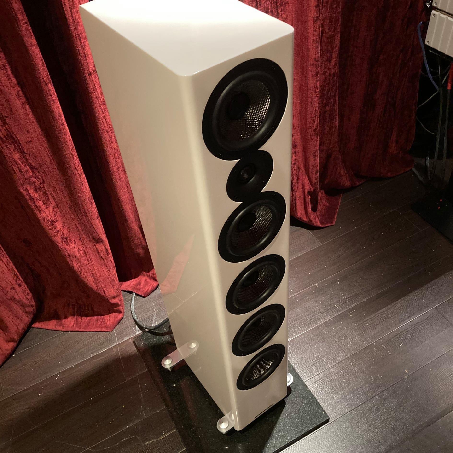 Acoustic Energy АЕ 520